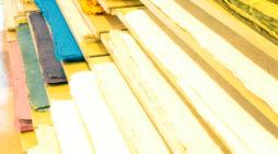 伝統的な手漉き和紙の販売